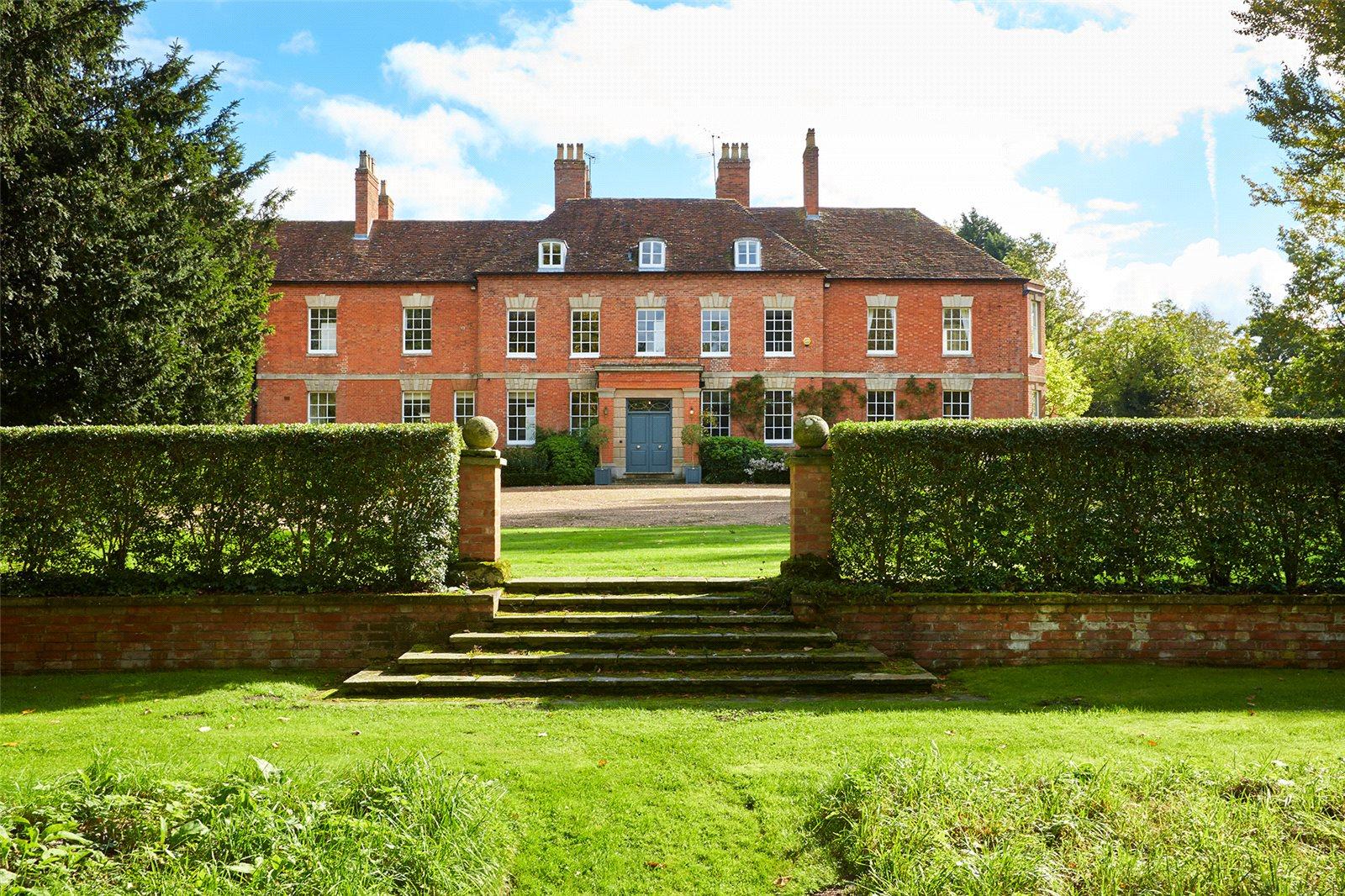 Single Family Home for Sale at Eathorpe, Leamington Spa, Warwickshire, CV33 Leamington Spa, England