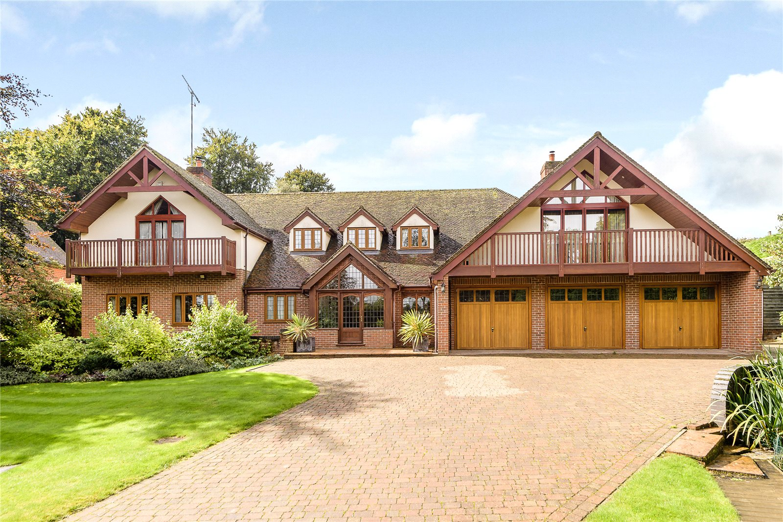 Single Family Home for Sale at Moulton Road, Kennett, Newmarket, Suffolk, CB8 Newmarket, England