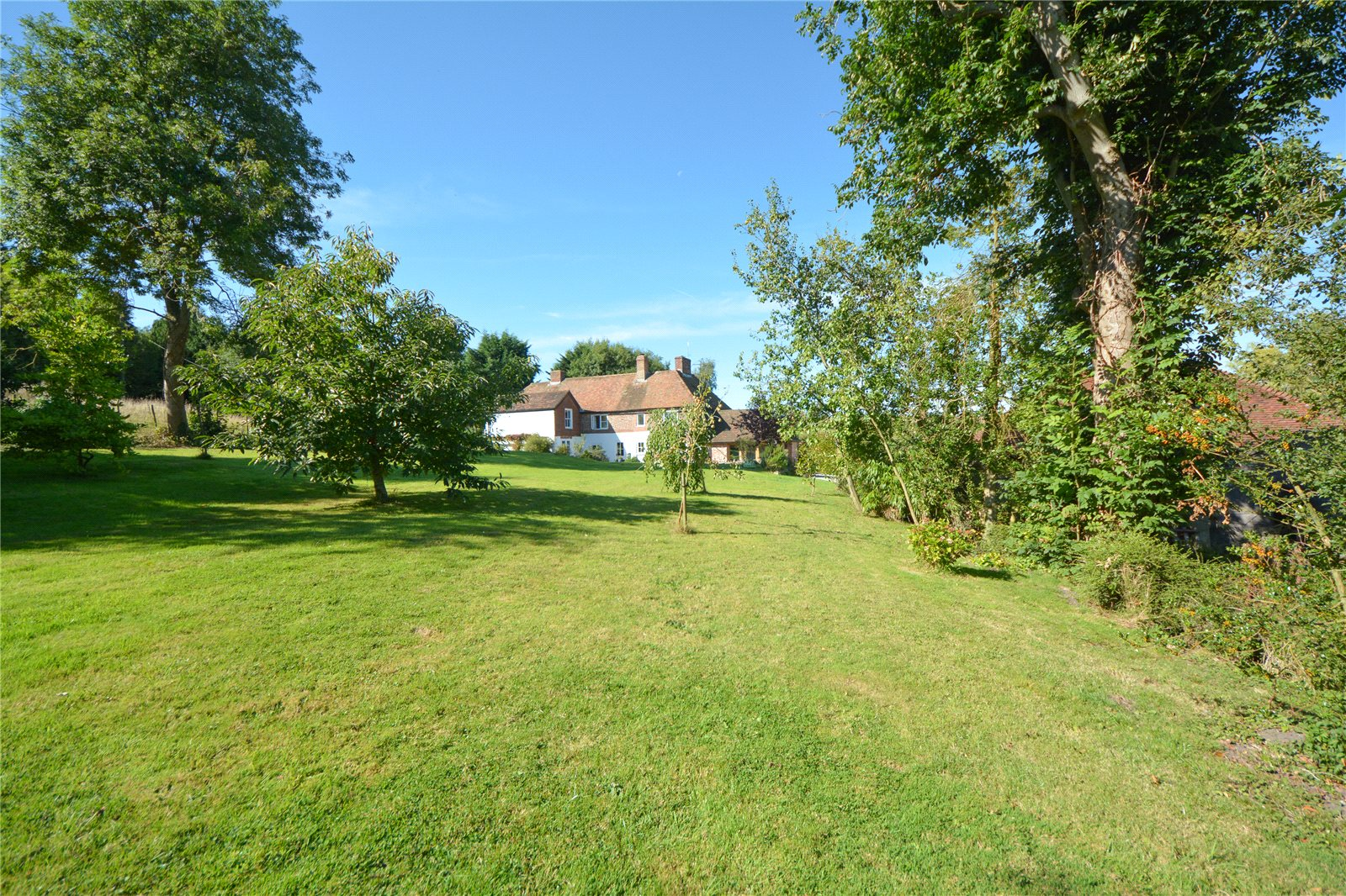 Additional photo for property listing at Church Lane, Aldington, Ashford, Kent, TN25 Ashford, Engeland