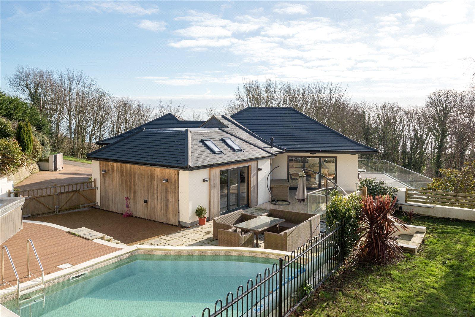 Villa per Vendita alle ore Cliff Road, Hythe, Kent, CT21 Hythe, Inghilterra