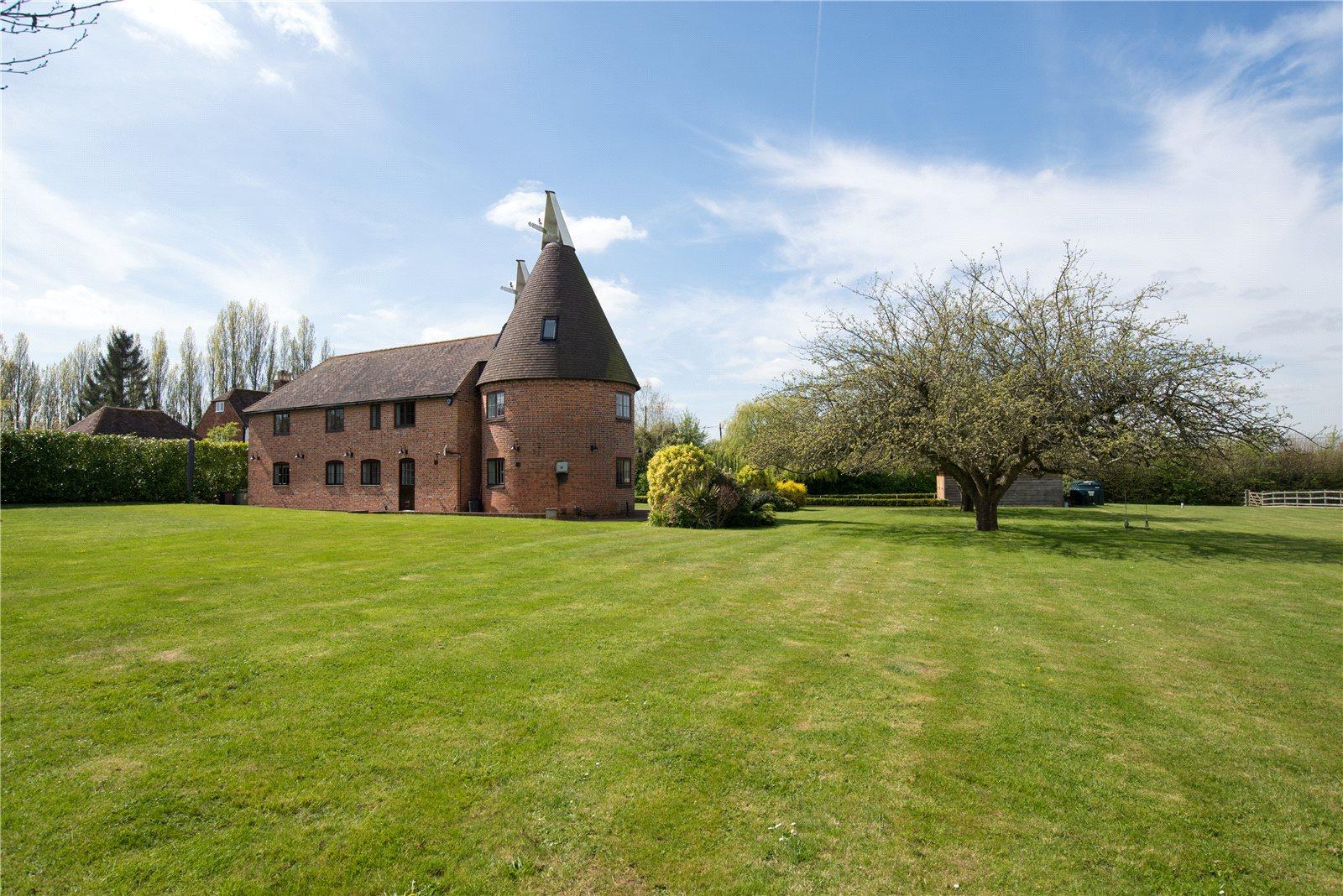Single Family Home for Sale at Back Street, Leeds, Maidstone, Kent, ME17 Maidstone, England