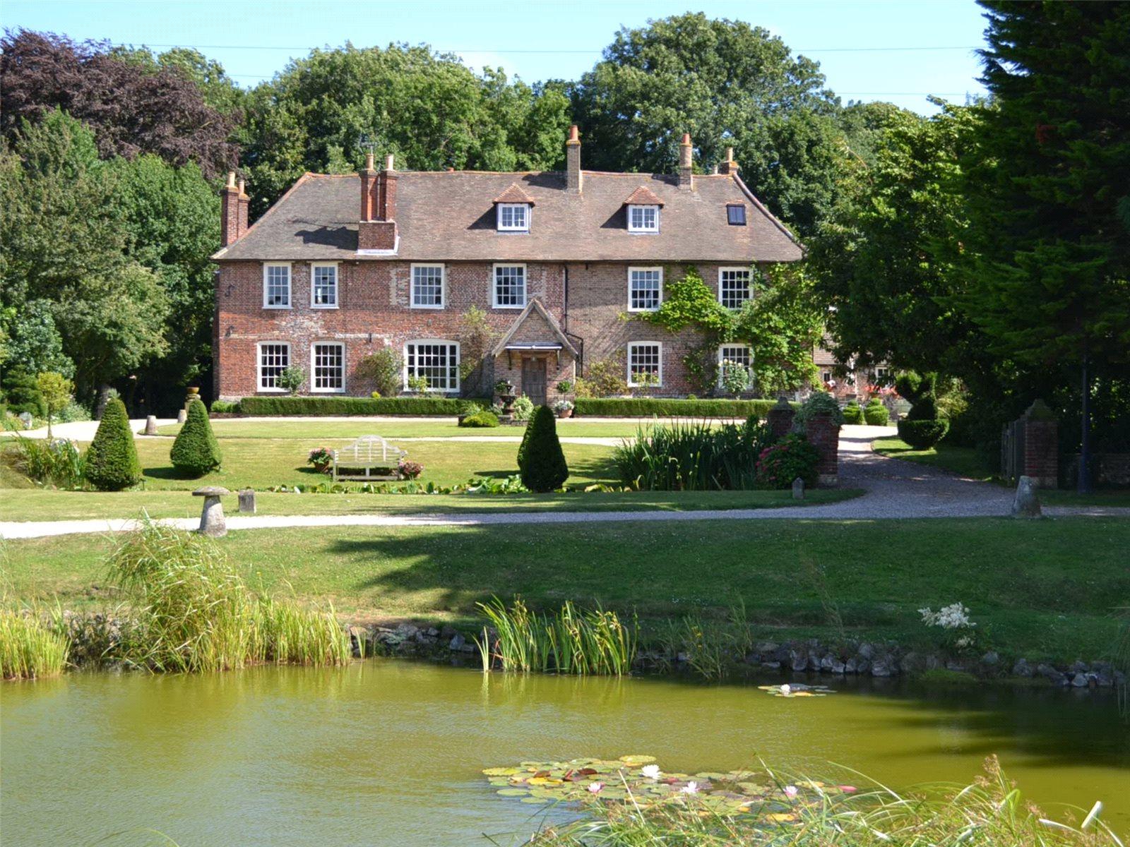Частный дом для того Продажа на East Langdon, Dover, Kent, CT15 Dover, Англия