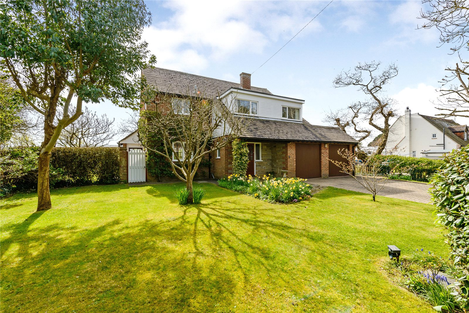 Villa per Vendita alle ore Elms Lane, West Wittering, Chichester, West Sussex, PO20 Chichester, Inghilterra