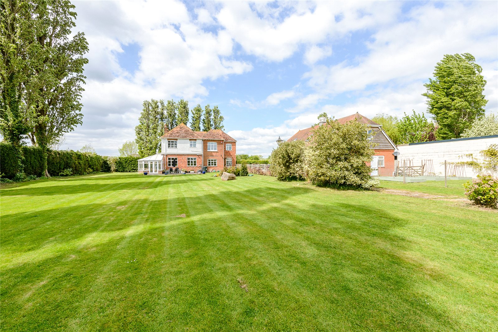 Additional photo for property listing at Drift Lane, Bosham, Chichester, West Sussex, PO18 Chichester, Ingiltere