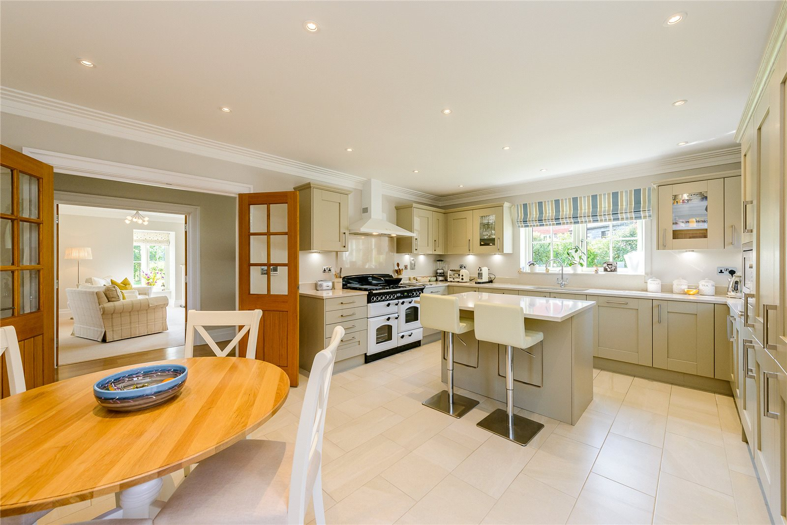 Additional photo for property listing at Wallace Square, Lavington Park, Petworth, West Sussex, GU28 Petworth, イギリス