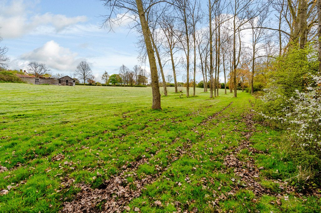 Additional photo for property listing at Bassetts Lane, Little Baddow, Chelmsford, Essex, CM3 Chelmsford, Inglaterra