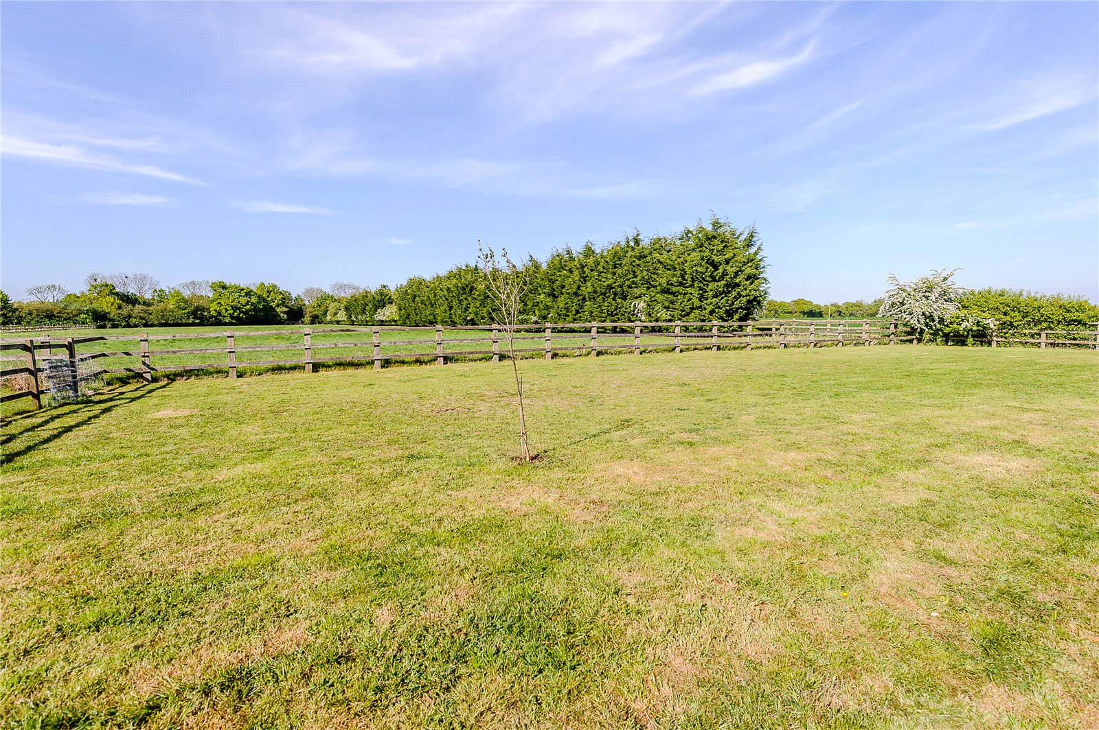 Additional photo for property listing at Envilles Barns, Little Laver, Ongar, Essex, CM5 Ongar, Angleterre