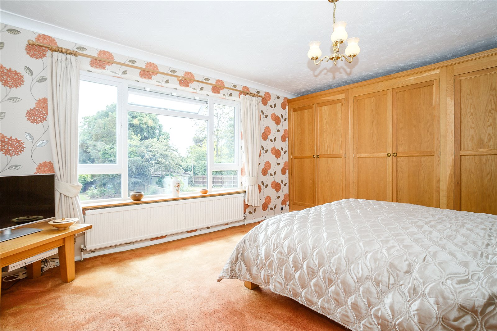 Additional photo for property listing at Springfield Road, Chelmsford, Essex, CM2 Chelmsford, England