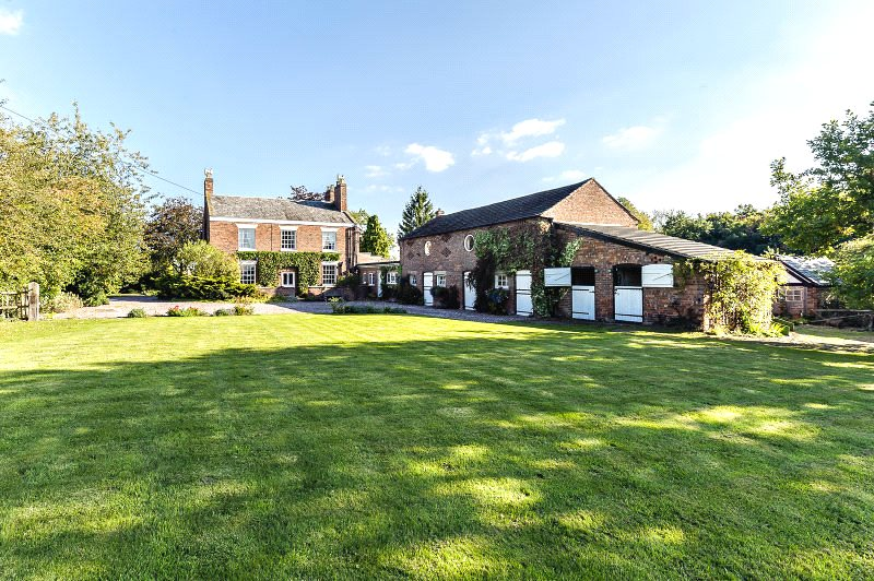 Single Family Home for Sale at Brookhouse Lane, Minshull Vernon, Middlewich, Cheshire, CW10 Middlewich, England