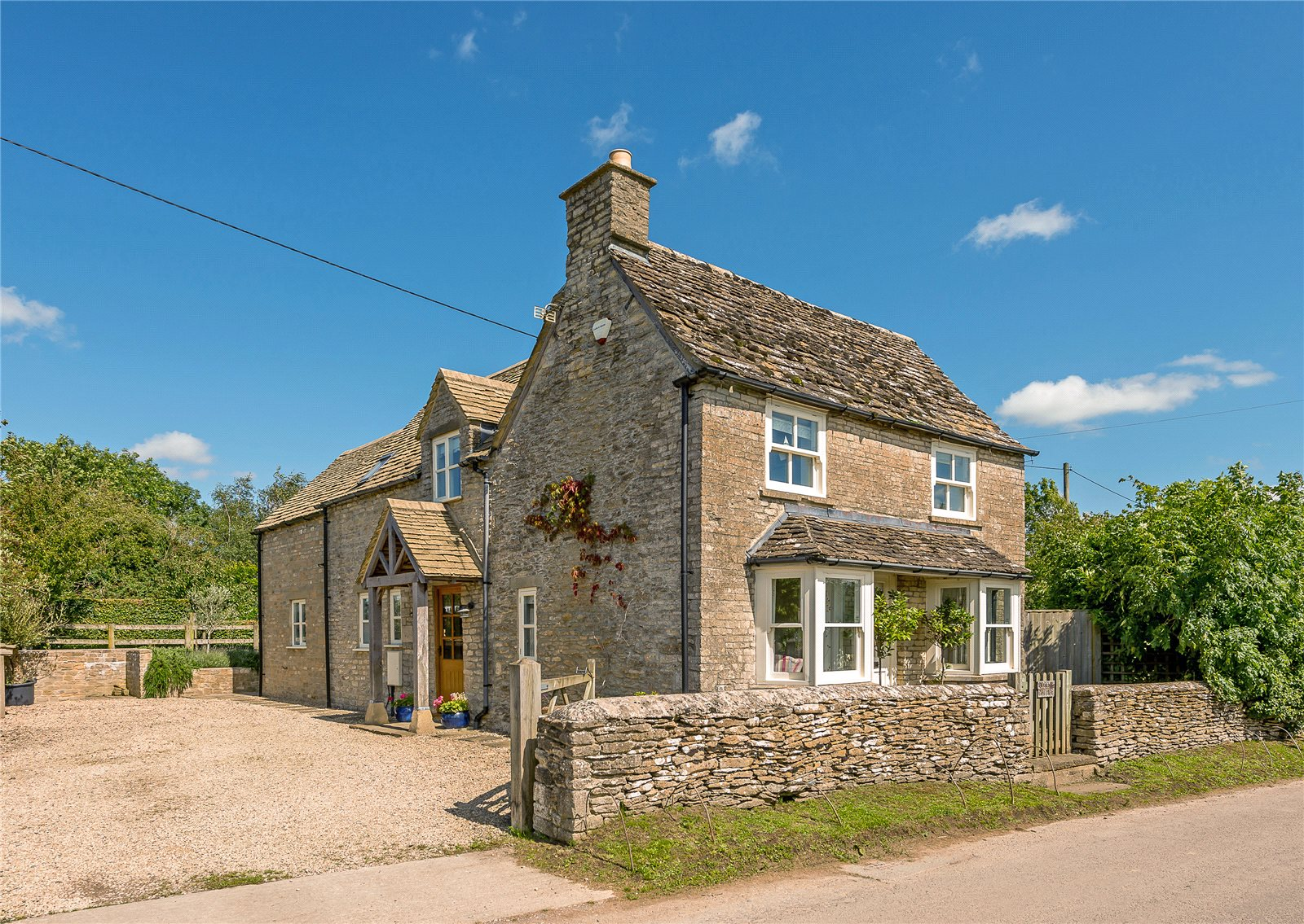 Additional photo for property listing at Tetbury Lane, Crudwell, Malmesbury, Wiltshire, SN16 Malmesbury, England