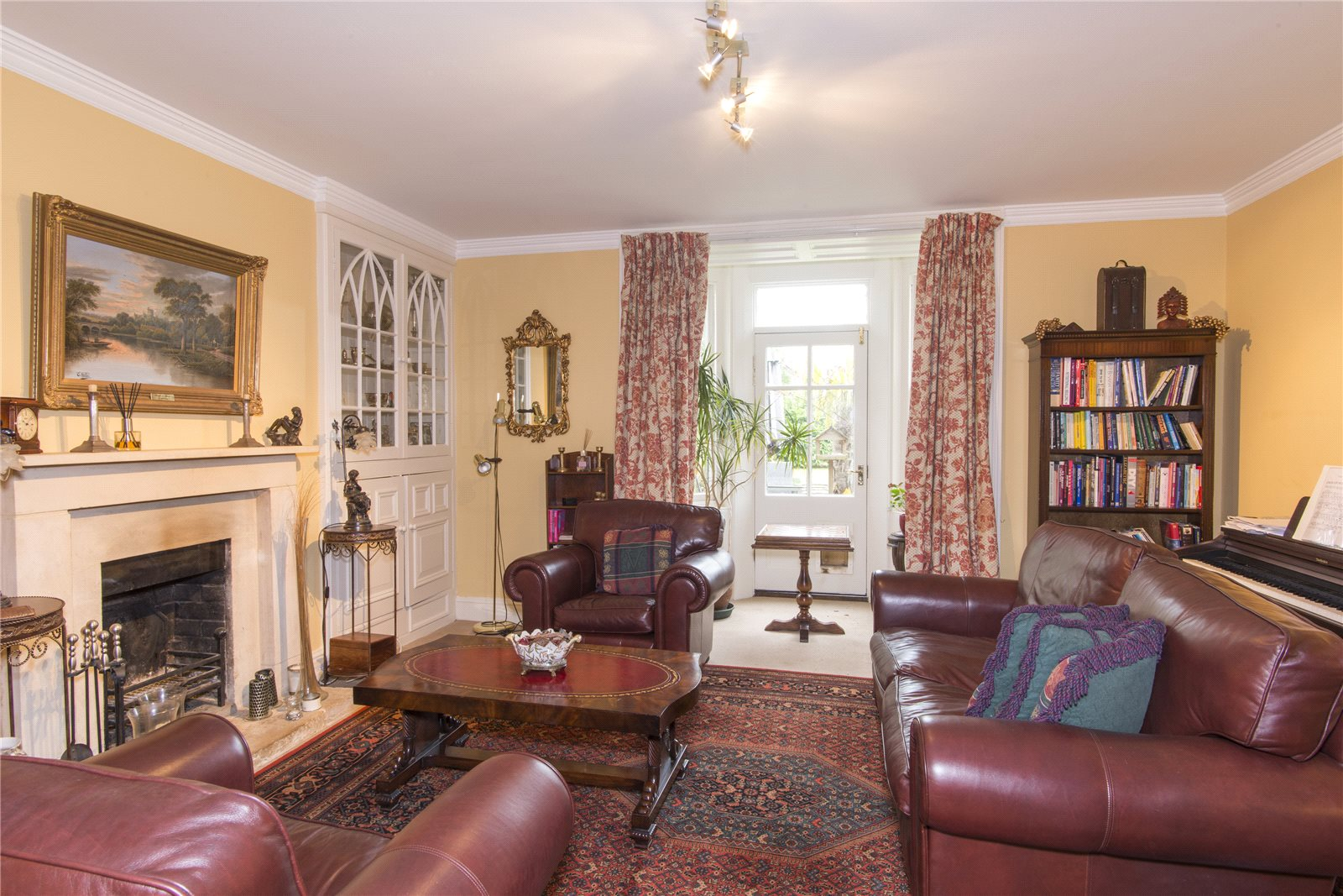 Additional photo for property listing at Kemble, Cirencester, Gloucestershire, GL7 Cirencester, イギリス