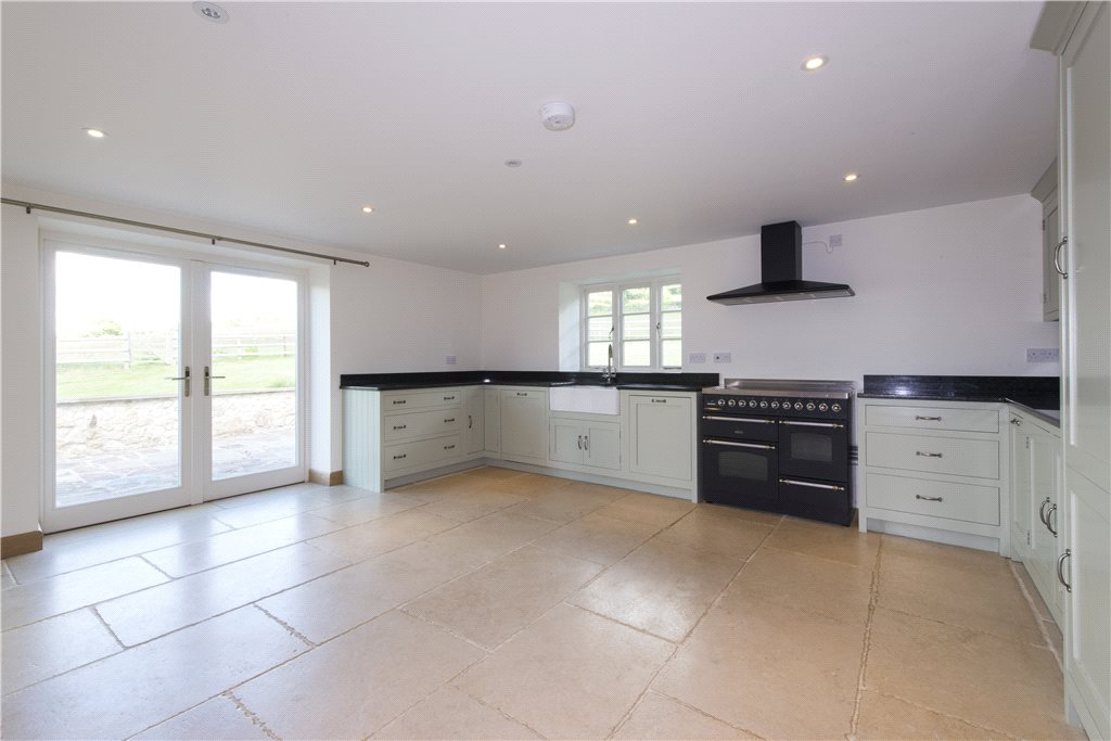 Additional photo for property listing at Bowcott, Wotton-Under-Edge, Gloucestershire, GL12 Wotton Under Edge, Angleterre