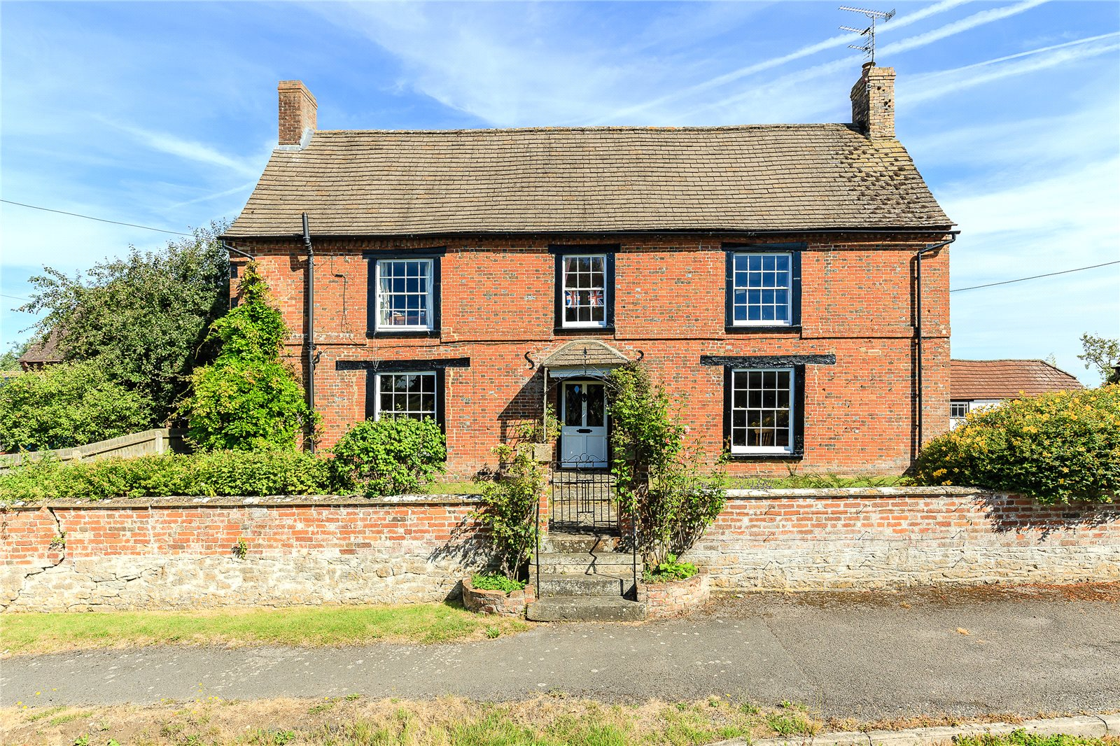 Single Family Home for Sale at Purton Stoke, Swindon, Wiltshire, SN5 Swindon, England