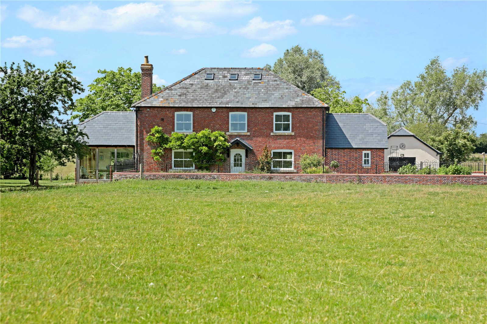 Частный дом для того Продажа на Thornhill, Royal Wootton Bassett, Swindon, Wiltshire, SN4 Swindon, Англия