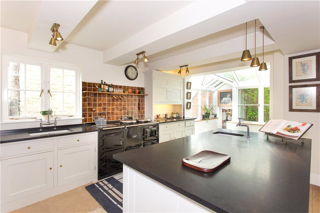 Additional photo for property listing at Walton Hill, Deerhurst, Gloucester, Gloucestershire, GL19 Wales
