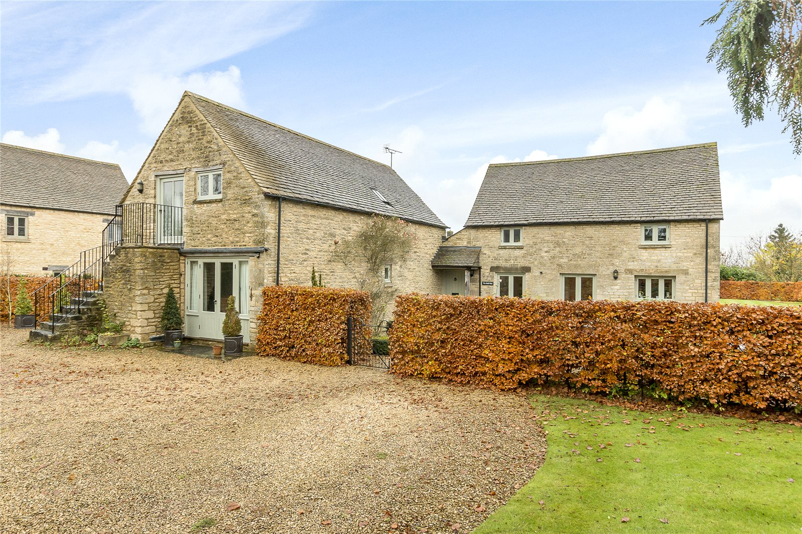 独户住宅 为 销售 在 Lower Farm, Poole Keynes, Cirencester, Gloucestershire, GL7 Cirencester, 英格兰