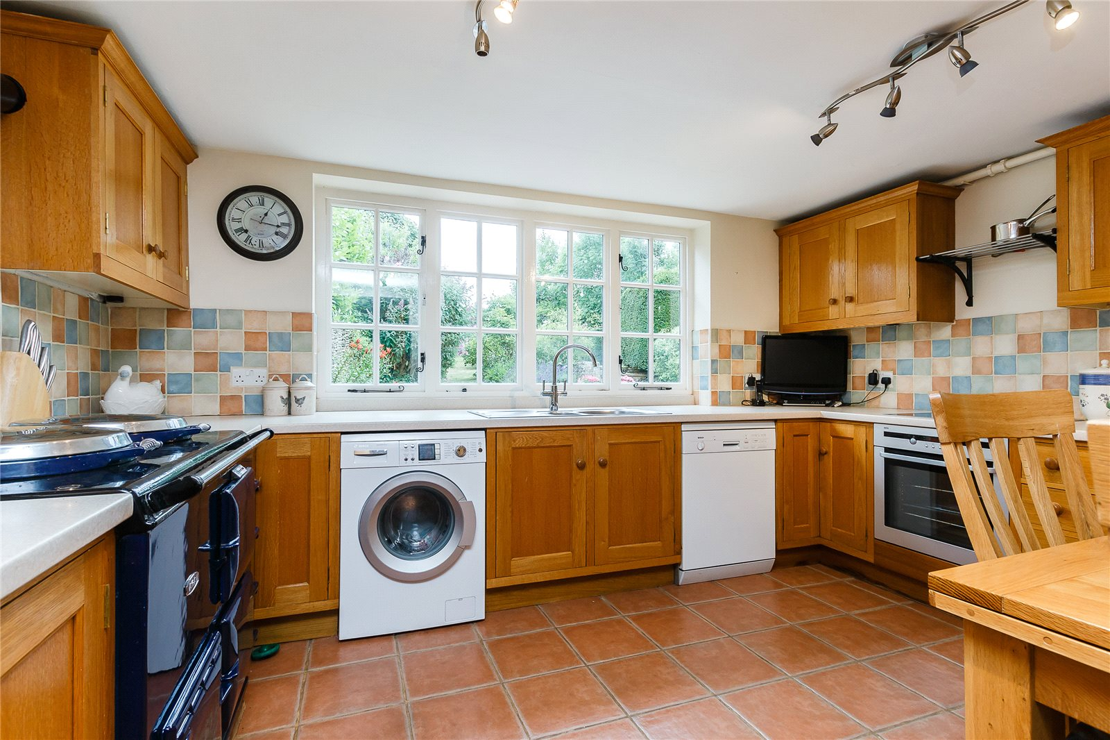 Additional photo for property listing at Duntisbourne Leer, Cirencester, Gloucestershire, GL7 Cirencester, 영국
