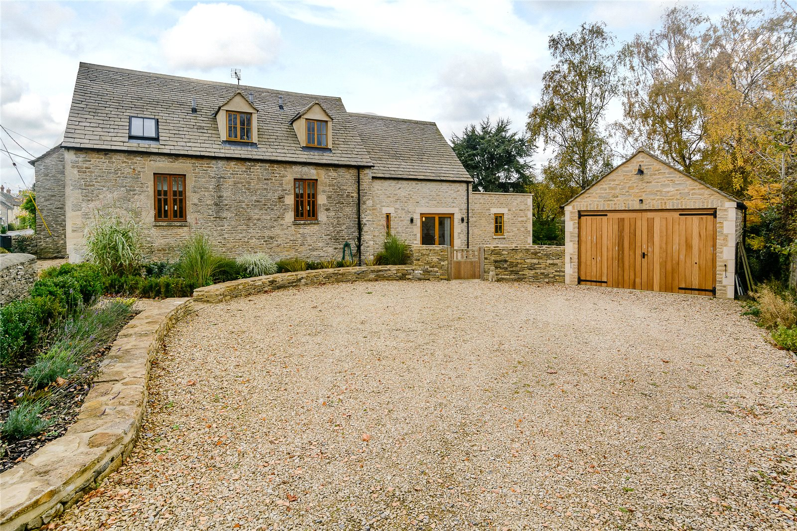 Additional photo for property listing at Bell Lane, Poulton, Cirencester, Gloucestershire, GL7 Cirencester, England