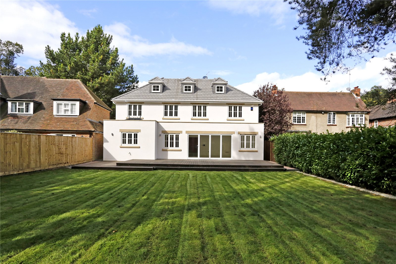 Additional photo for property listing at Windsor Road, Gerrards Cross, Buckinghamshire, SL9 Gerrards Cross, Inglaterra