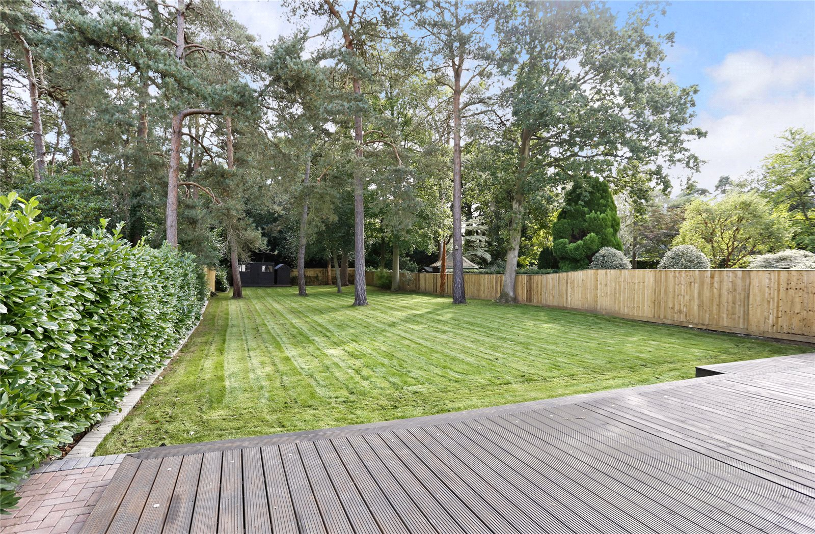 Additional photo for property listing at Windsor Road, Gerrards Cross, Buckinghamshire, SL9 Gerrards Cross, Angleterre