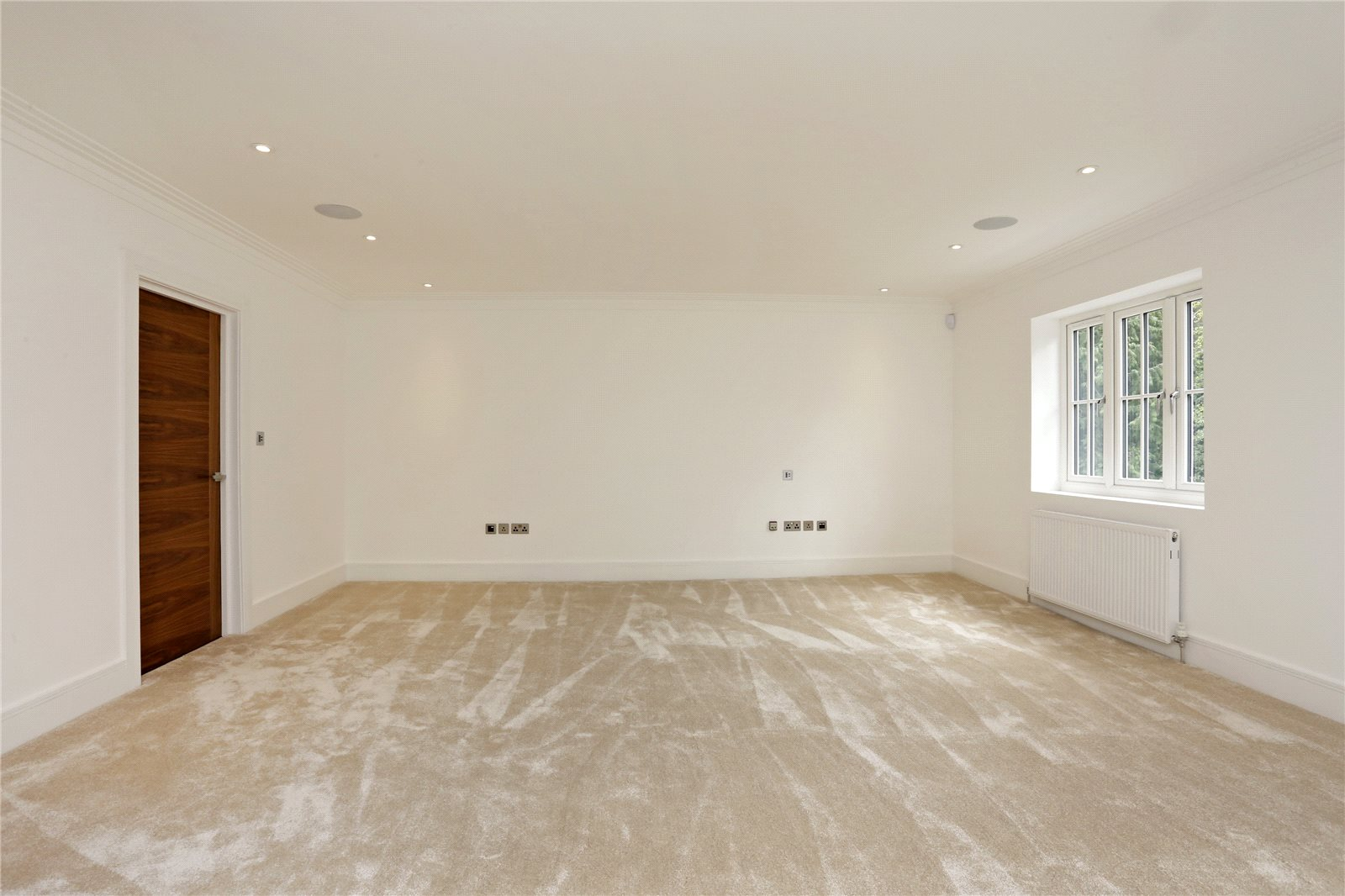 Additional photo for property listing at Windsor Road, Gerrards Cross, Buckinghamshire, SL9 Gerrards Cross, Inghilterra