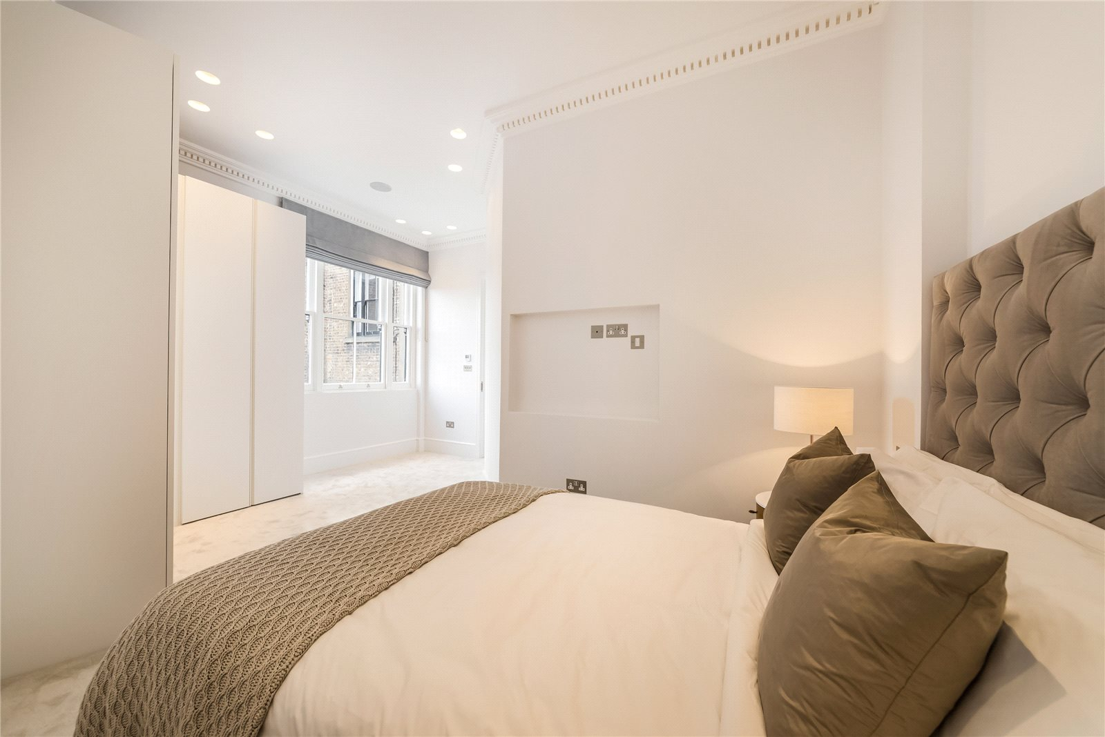 Additional photo for property listing at Cornwall Gardens Court, 47-50 Cornwall Gardens, South Kensington, London, SW7 South Kensington, London, Ingiltere