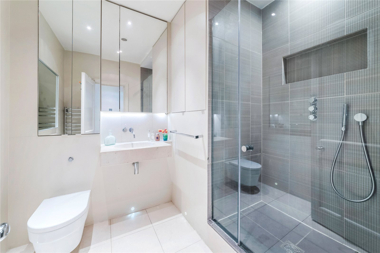 Additional photo for property listing at Bramham Gardens, London, SW5 London, Англия
