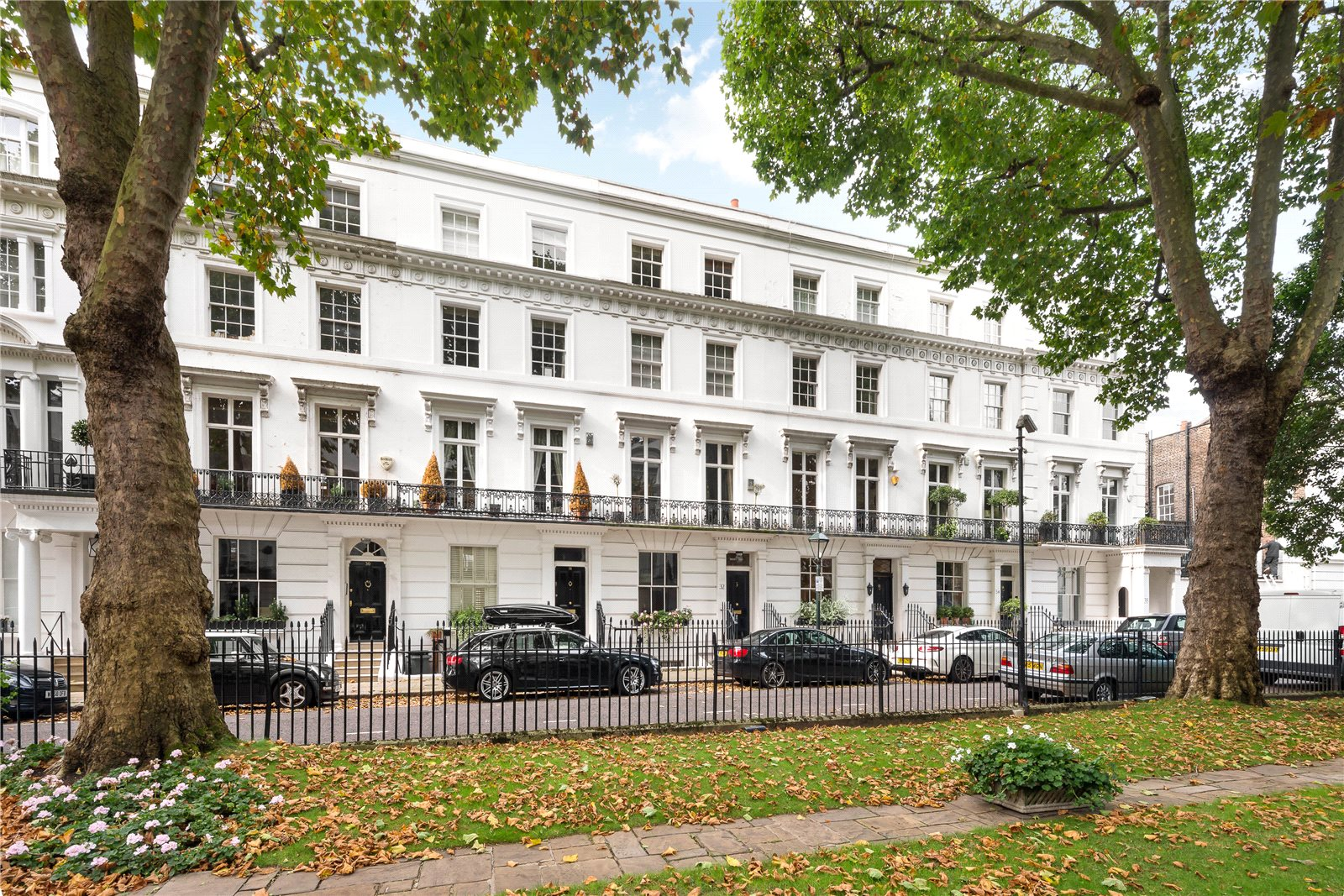 Additional photo for property listing at Wellington Square, London, SW3 London, Англия