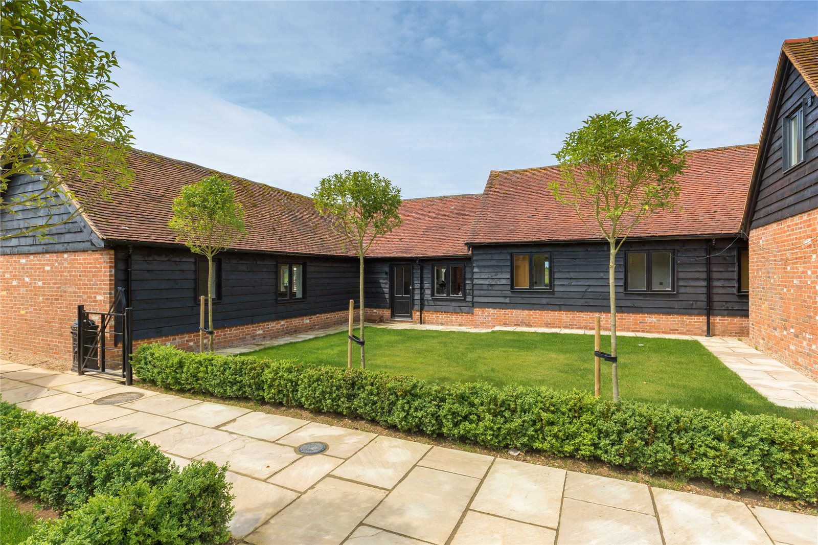Additional photo for property listing at Great Green Street Farm, Green Street, Chorleywood, Hertfordshire, WD3 Chorleywood, Αγγλια