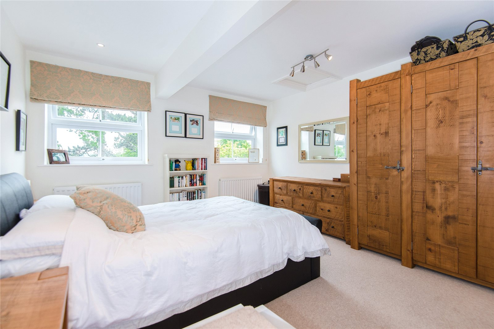 Additional photo for property listing at Albion Road, Chalfont St. Giles, Buckinghamshire, HP8 Buckinghamshire, Англия