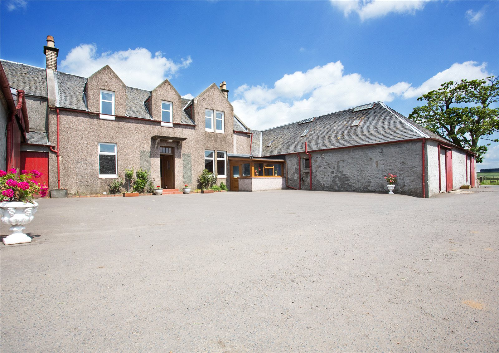 Additional photo for property listing at Kilmarnock, Ayrshire, KA2 Scotland