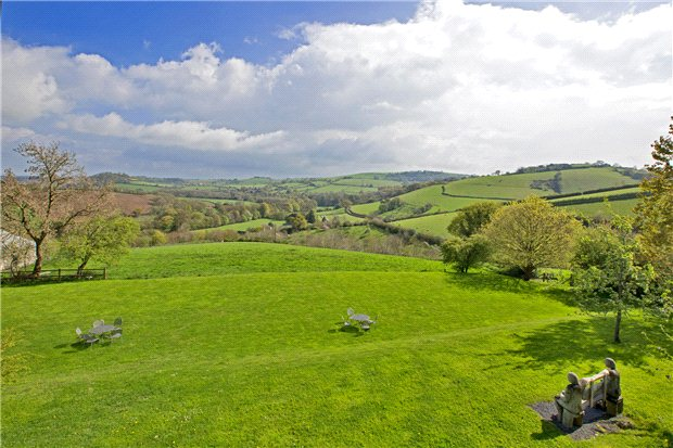 Additional photo for property listing at Colston Road, Buckfastleigh, Devon, TQ11 Buckfastleigh, イギリス
