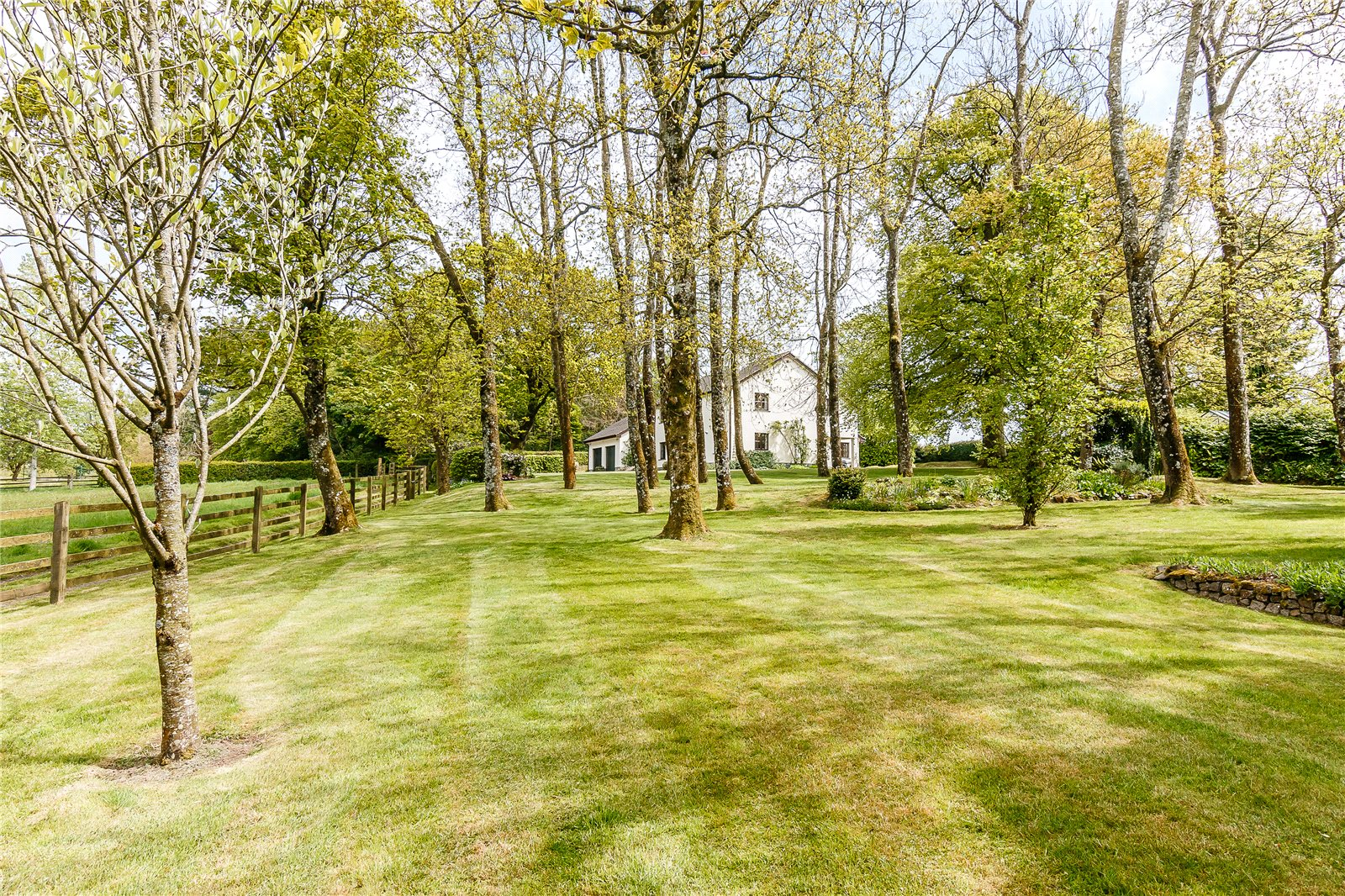 Additional photo for property listing at Spreyton, Crediton, Devon, EX17 Crediton, Англия