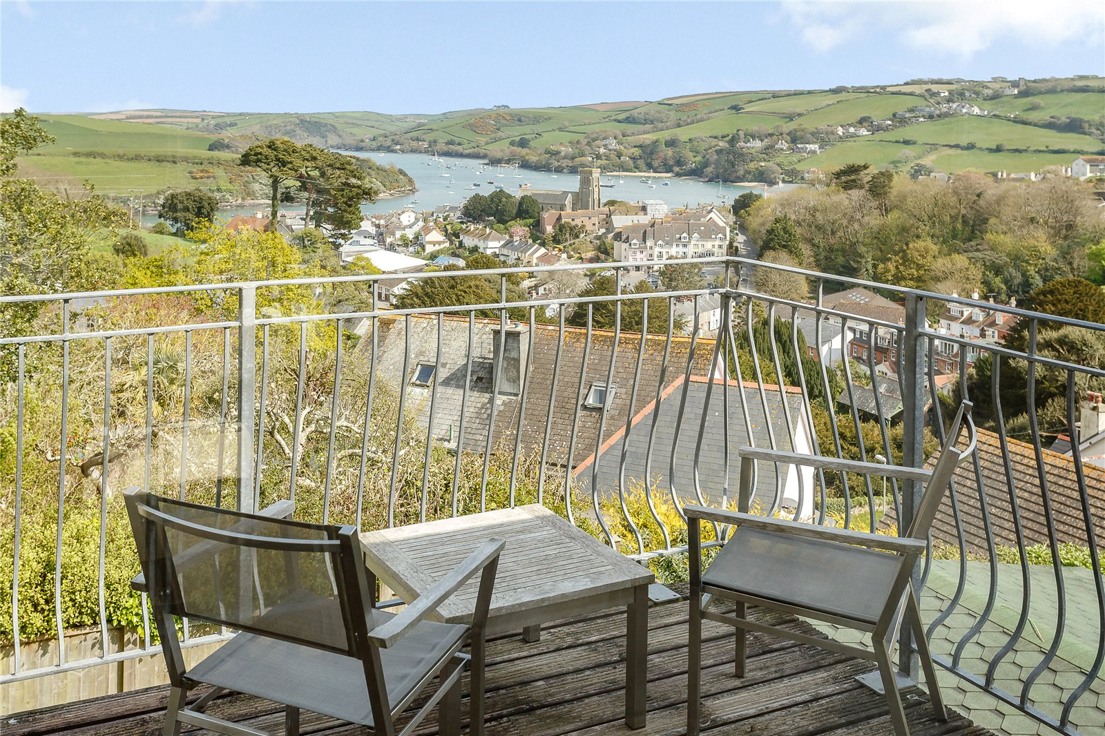 Additional photo for property listing at Longridge, Bonfire Hill, Salcombe, Devon, TQ8 Salcombe, Ingiltere