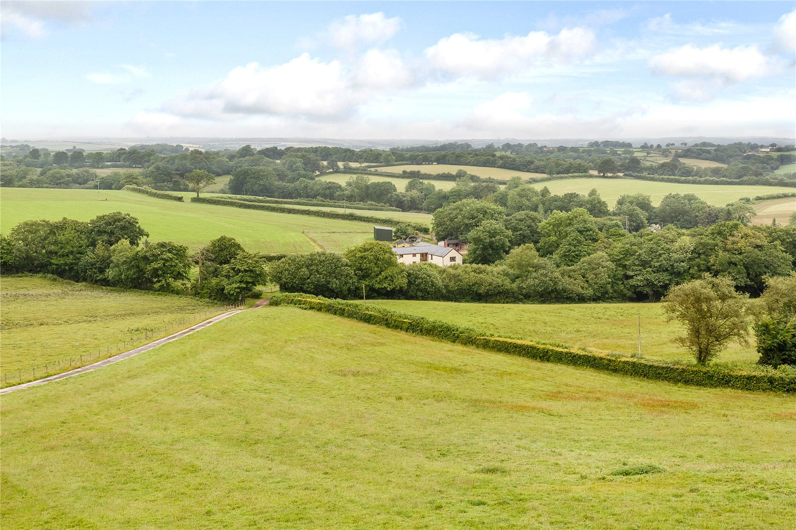 Additional photo for property listing at Oakford, Tiverton, Devon, EX16 Tiverton, Anh Quốc