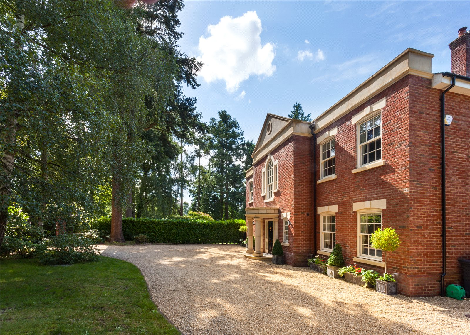 Additional photo for property listing at School Lane, West Hill, Ottery St. Mary, Devon, EX11 Devon, Engeland