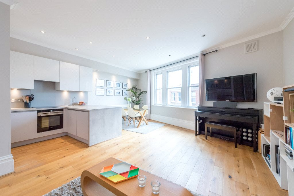 Апартаменты / Квартиры для того Продажа на Fulham Road, London, SW6 London, Англия