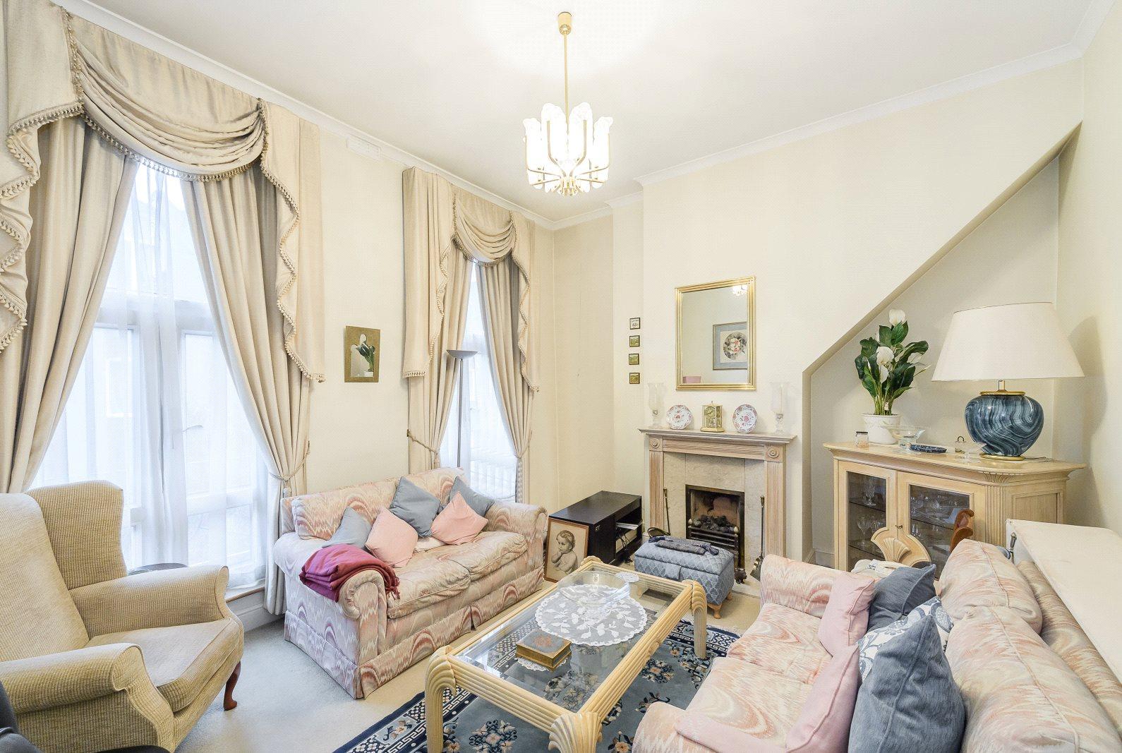 Einfamilienhaus für Verkauf beim Lord Roberts Mews, Waterford Road, Fulham, London, SW6 Fulham, London, England
