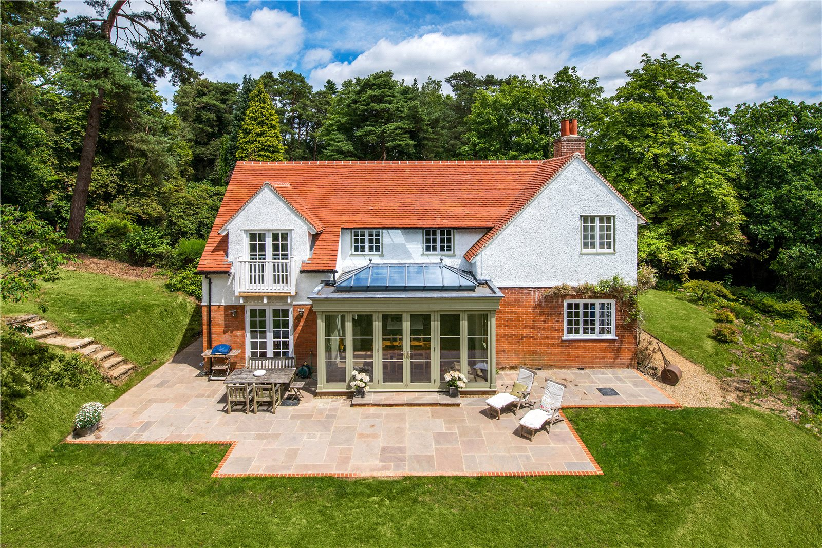 Tek Ailelik Ev için Satış at Ford Lane, Lower Bourne, Farnham, Surrey, GU10 Farnham, Ingiltere