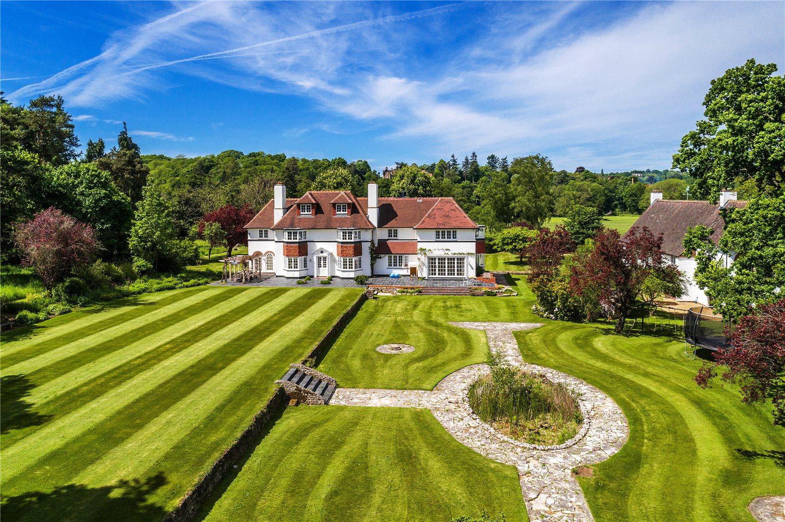 Additional photo for property listing at Frensham, Farnham, Surrey, GU10 Farnham, Англия
