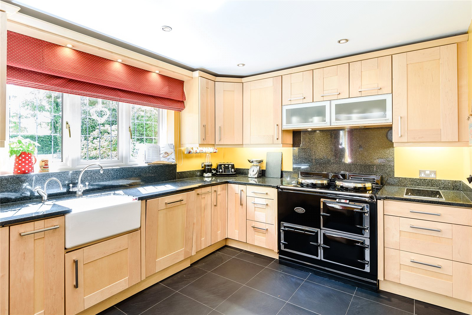 Additional photo for property listing at The Glen, Nutshell Lane, Upper Hale, Farnham, GU9 Anh Quốc