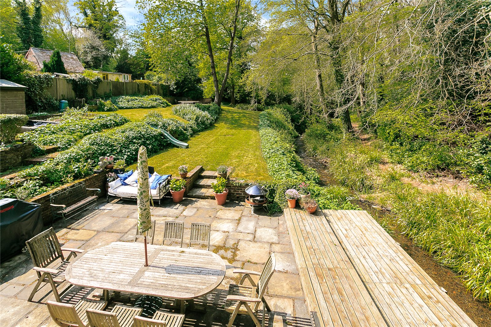 Additional photo for property listing at Churt Road, Churt, Farnham, Surrey, GU10 Farnham, Inghilterra