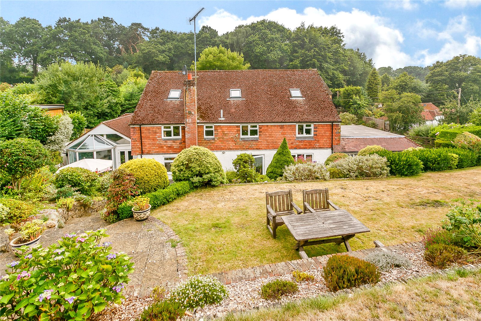 Additional photo for property listing at Beech Hill Road, Arford, Nr Headley, Hampshire, GU35 Hampshire, Inghilterra