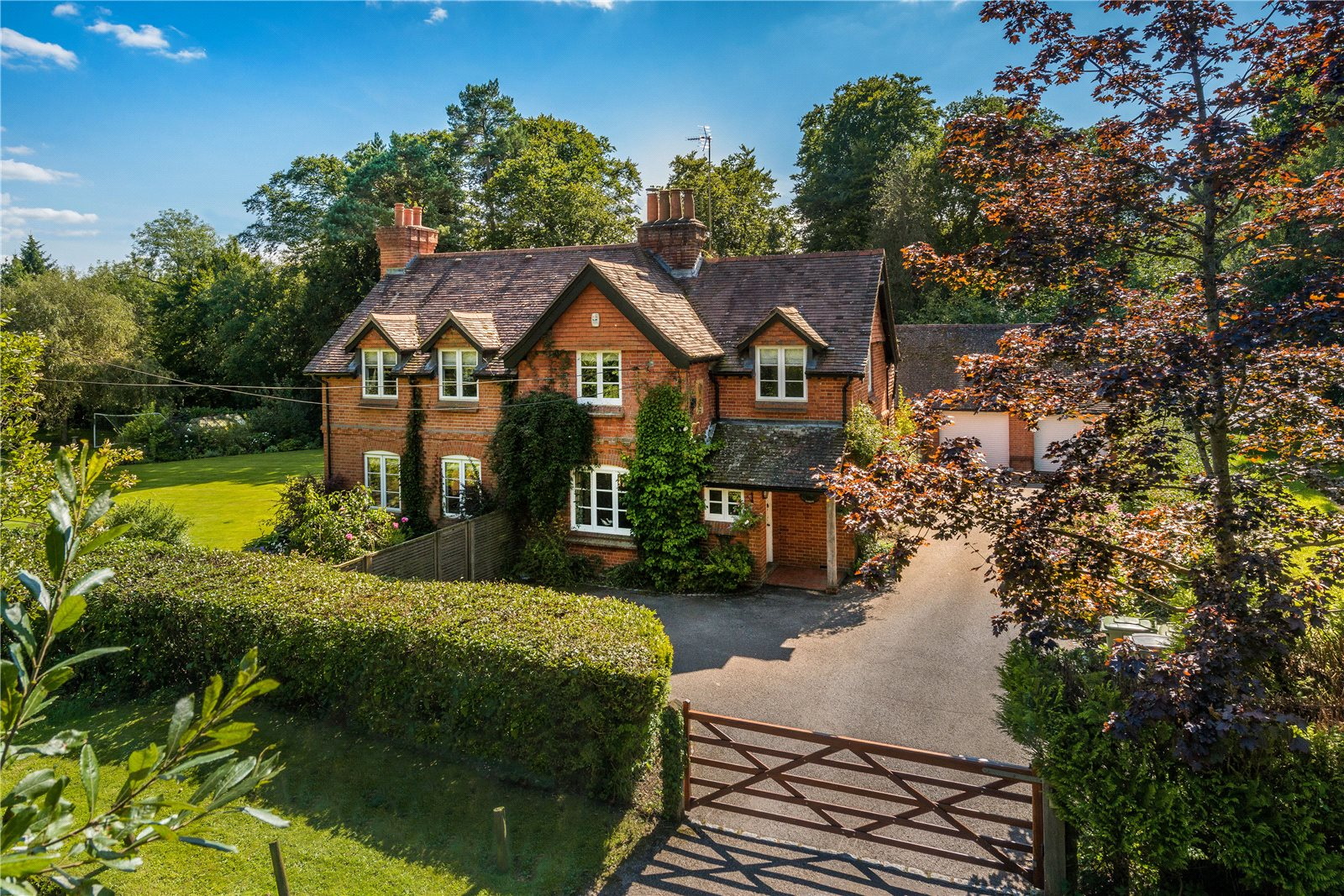 Additional Photo For Property Listing At Dockenfield Farnham Surrey GU10 England