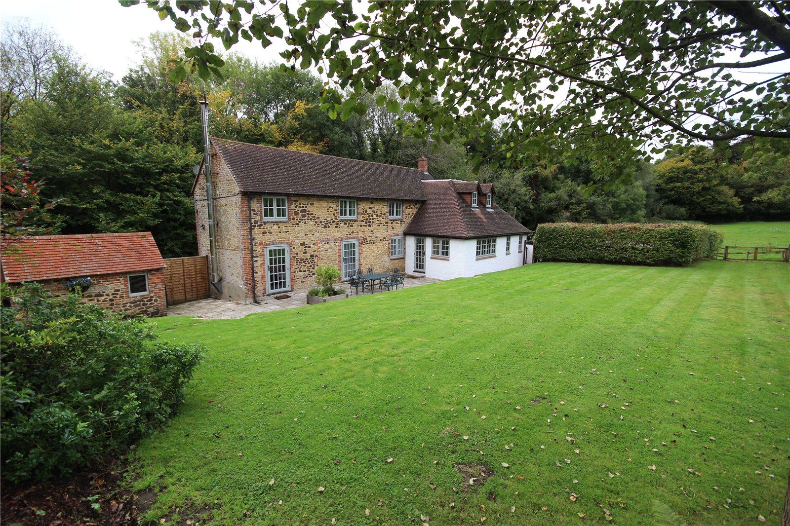Villa per Vendita alle ore Lampard Lane, Churt, Farnham, Surrey, GU10 Farnham, Inghilterra