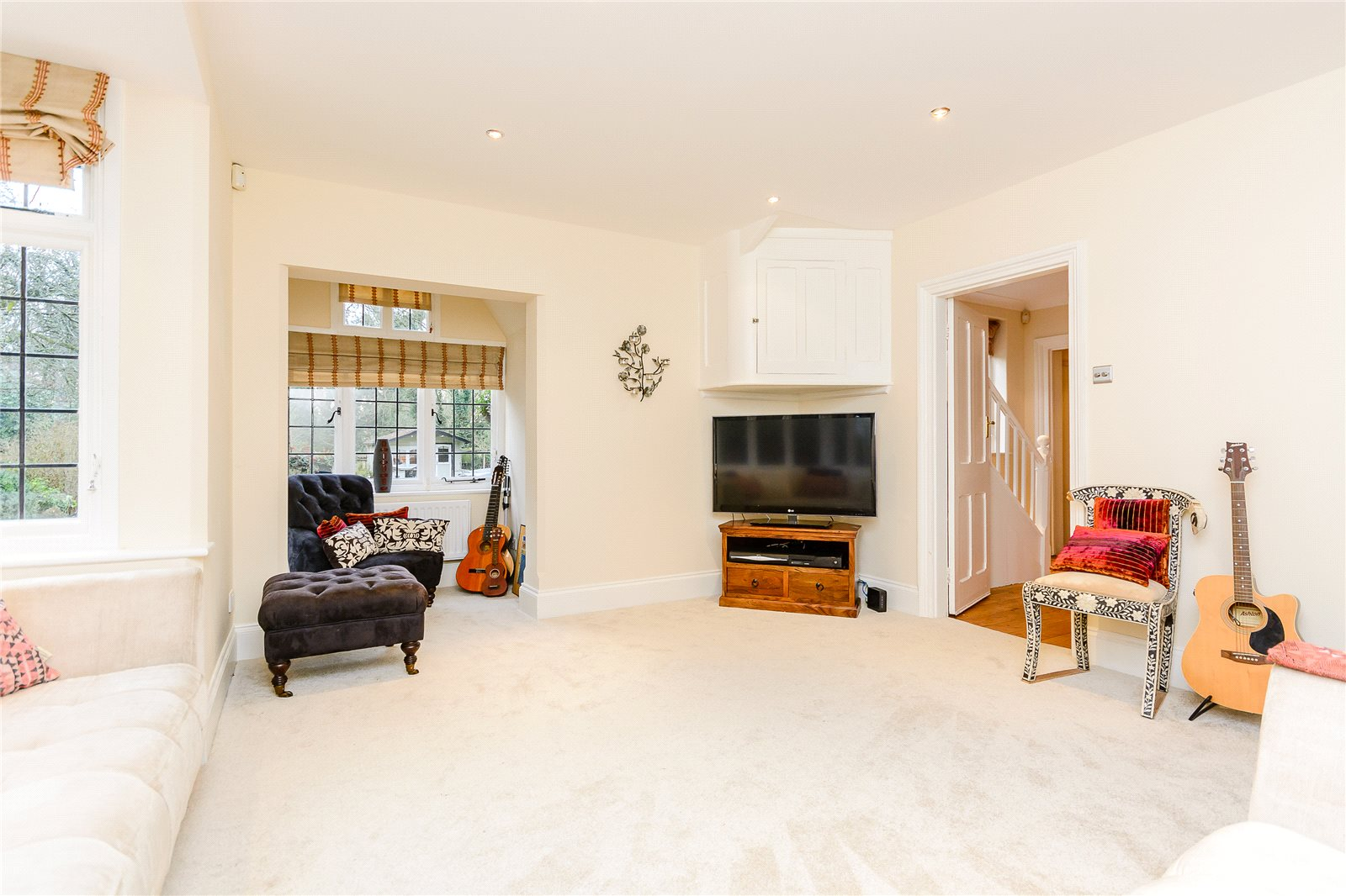 Additional photo for property listing at Heusden Way, Gerrards Cross, Buckinghamshire, SL9 Gerrards Cross, Angleterre
