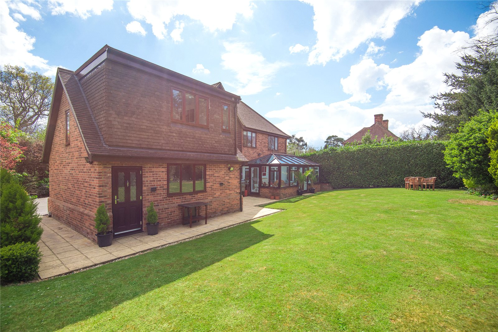 Additional photo for property listing at West End Lane, Stoke Poges, Bucks, SL2 Engeland