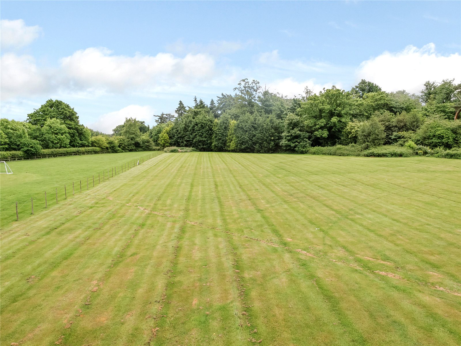 Additional photo for property listing at St Huberts Lane, Gerrards Cross, Buckinghamshire, SL9 Gerrards Cross, 영국