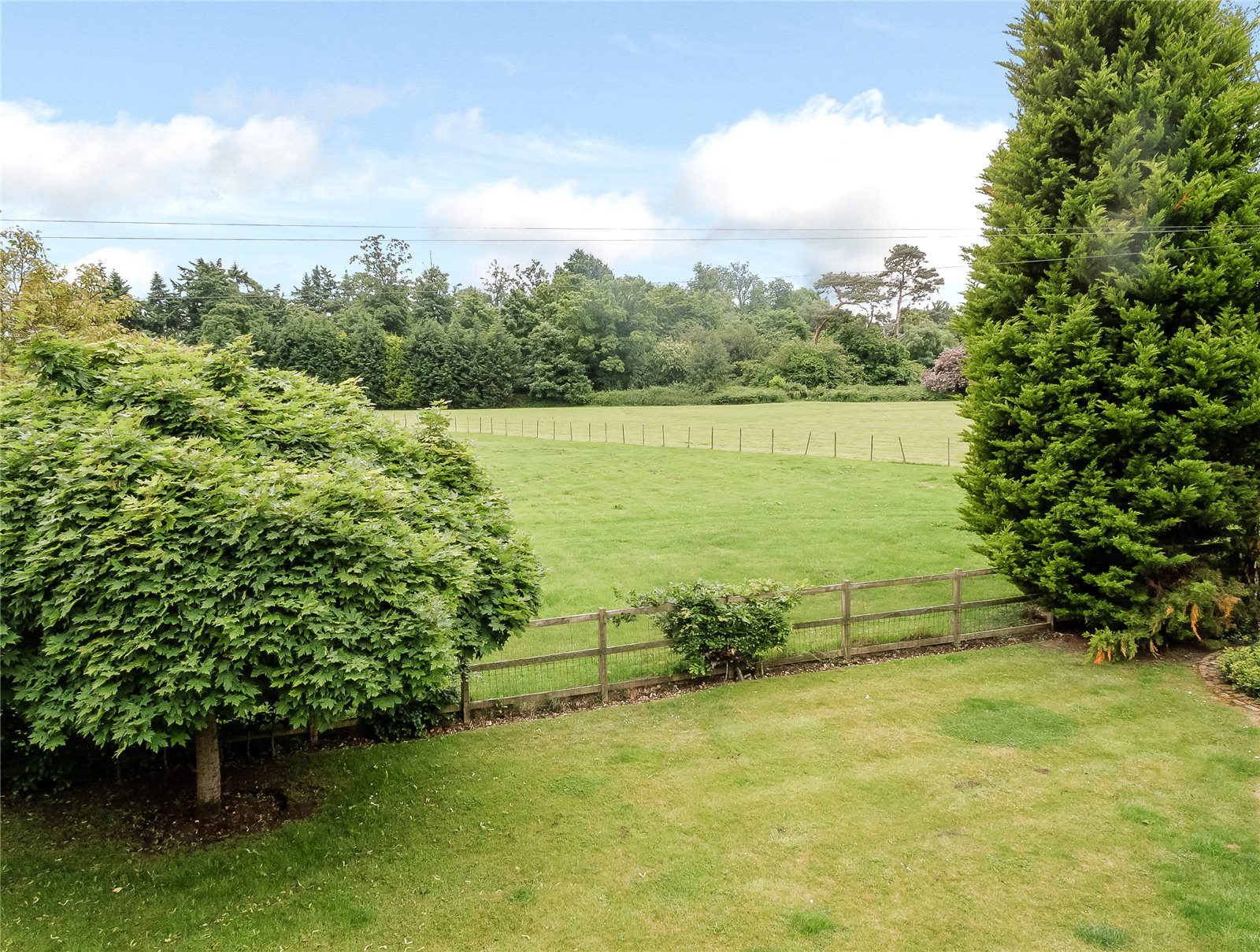 Additional photo for property listing at St Huberts Lane, Gerrards Cross, Buckinghamshire, SL9 Gerrards Cross, England