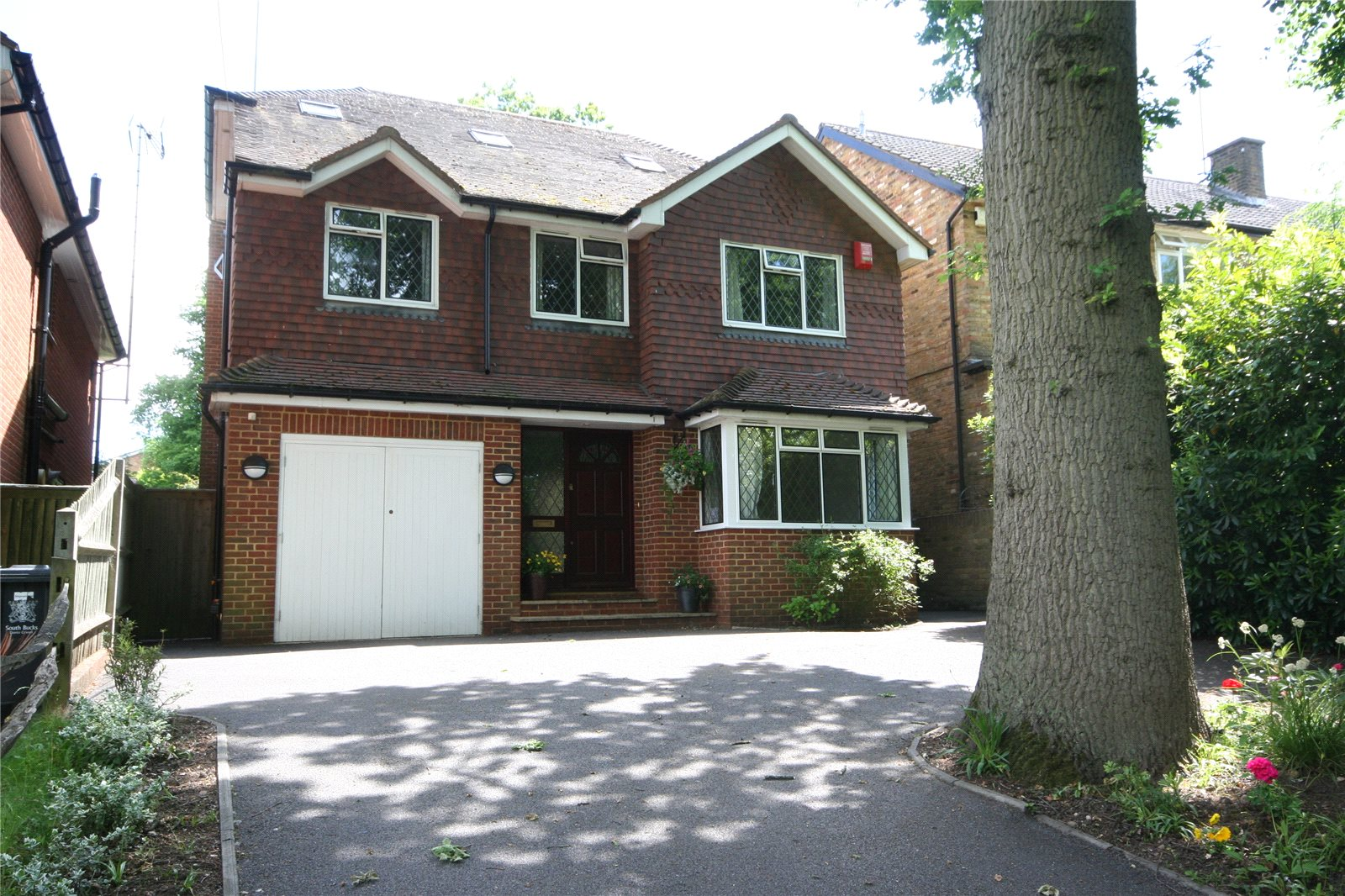 단독 가정 주택 용 매매 에 Duffield Lane, Stoke Poges, Buckinghamshire, SL2 Stoke Poges, 영국